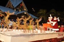 candy-cane-parade-santa-4-3